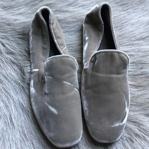 New Vince Bray Velvet taupe loafers 6 36